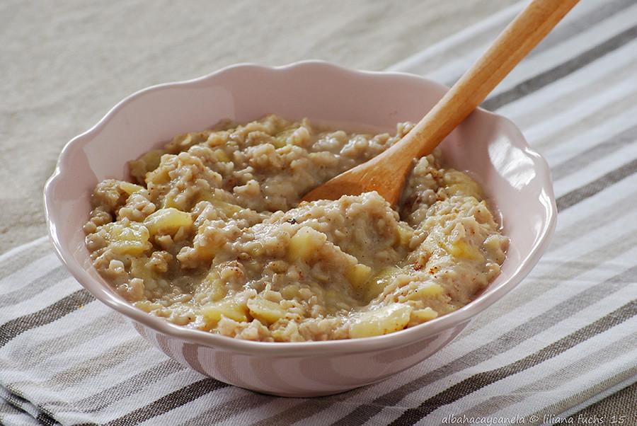 Oat apple porridge