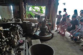Ilocos Sur - Pagburnayan pottery making demo