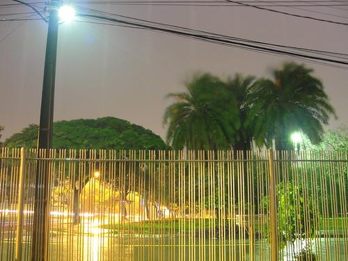 noite-chuvosa_15168510046_o