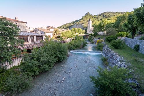 Le petit village de Saint-Nazaire-Le-Désert