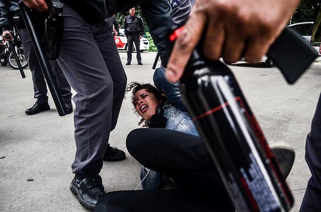 A estudante Tereza, de apenas 15 anos, foi agredida por policiais em SP / Christian Braga