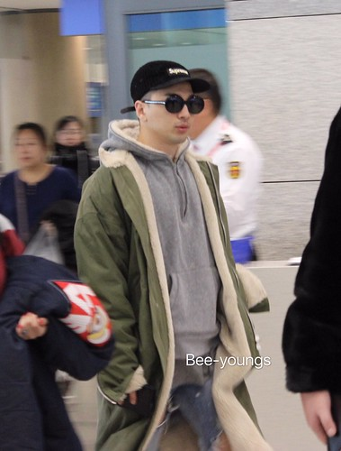 YB Dae TOP arrival Seoul from Nagoya 2016-12-05 (26)