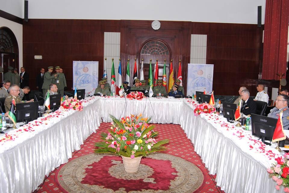 الجزائر : صلاحيات نائب وزير الدفاع الوطني - صفحة 5 30780068795_1a320114b1_o