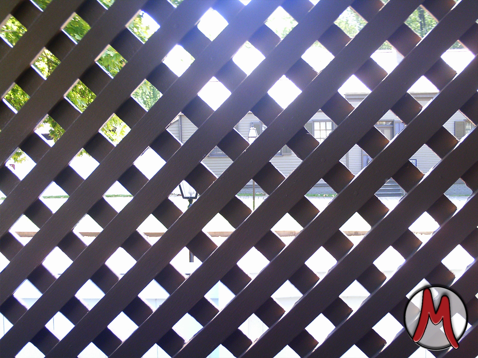 Diamond crossing fence at the Springfield Lincoln home