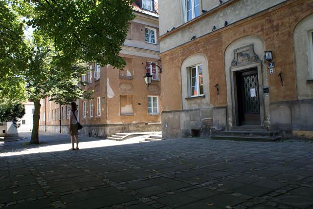Sur la place du marché du Nowe miasto de Varsovie