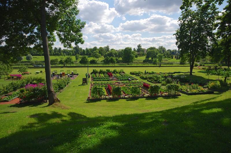 огород путевого двореца Петра, Стрельна, Россия