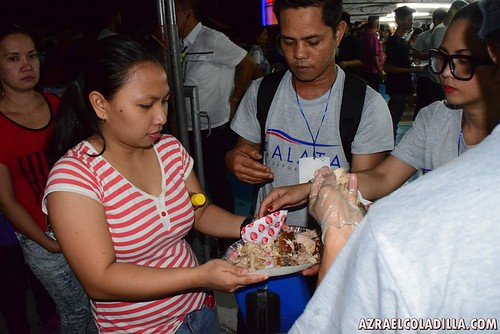 World's largest serving of roast pork or lechon 2015 - Philippines