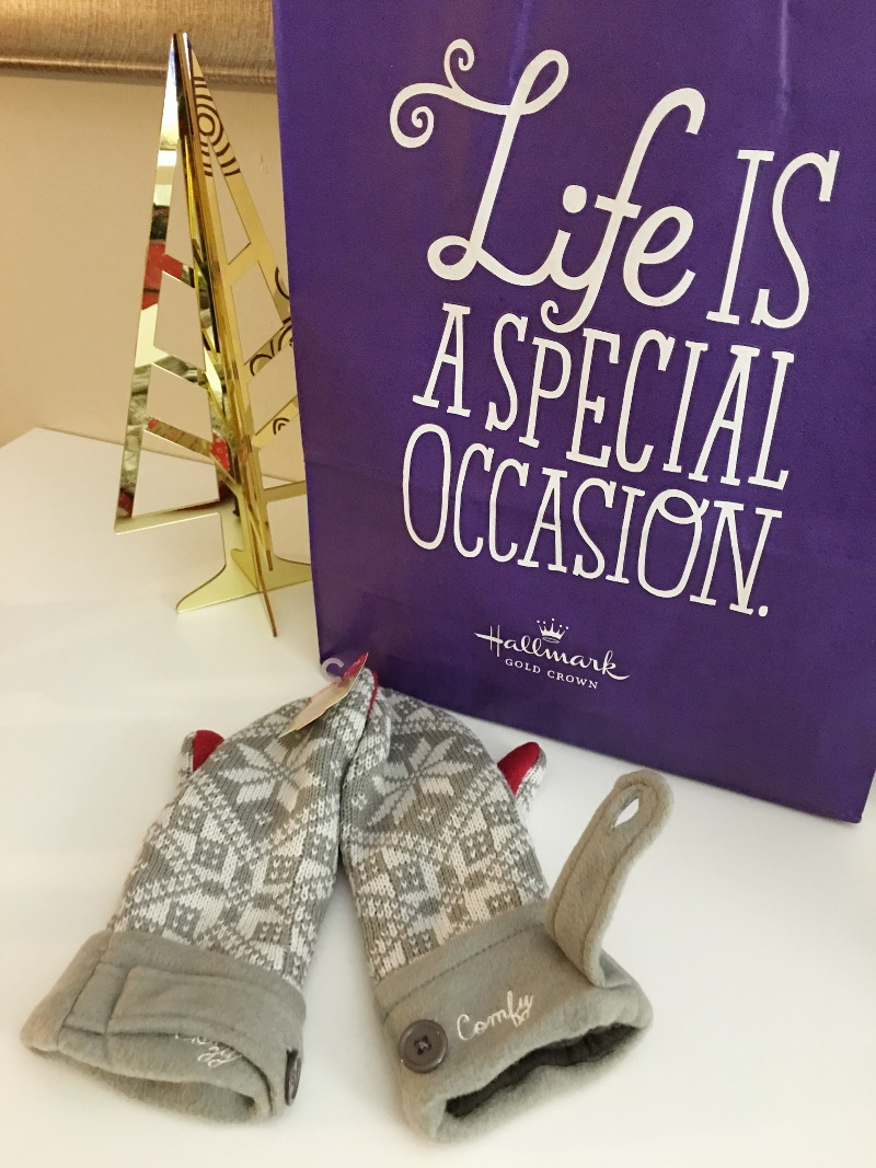 Hallmark-holiday-gift-guide-mittens-3