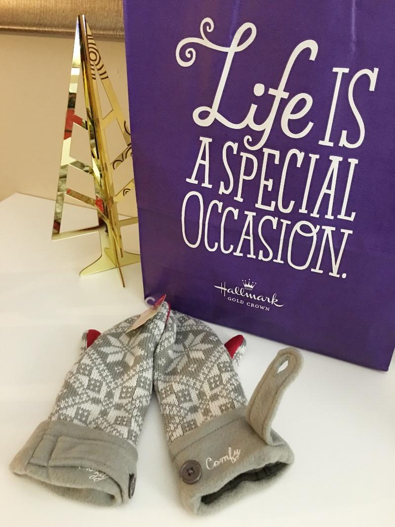 Hallmark-holiday-gift-guide-mittens-3