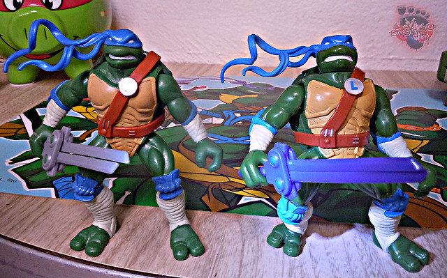 "Nickelodeon ""HISTORY OF TEENAGE MUTANT NINJA TURTLES"" FEATURING LEONARDO - 'NINJA TURTLES: THE NEXT MUTATION' LEONARDO iii / ..with Original N.M. LEO '97 (( 2015 ))"
