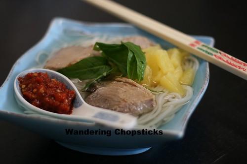 Bun Ca Ngu (Vietnamese Tuna Rice Vermicelli Noodle Soup) 1