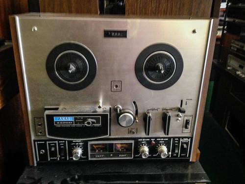Don Jones Stereo-9