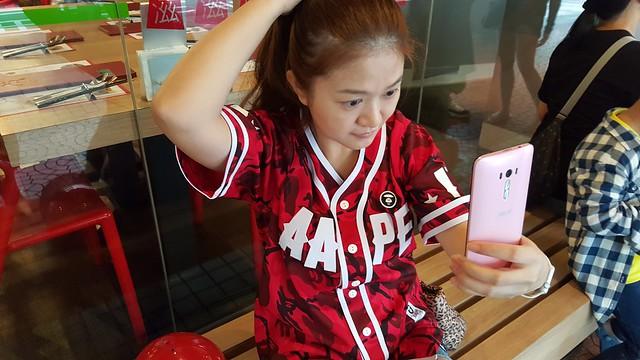 Zenfone Selfie 動手玩 + imos保護貼包膜記