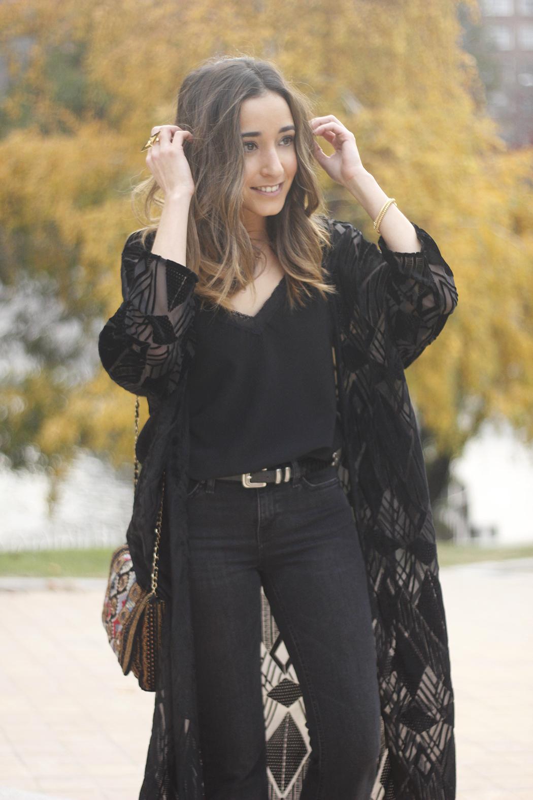 Black Kimono Black flared jeans outfit22