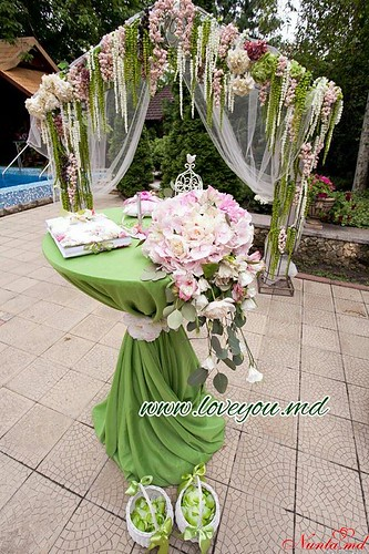 Cвадебное агентство «Айлавью»  > Зеленые и лесные мотивы как никогда популярны в этом свадебном сезоне.