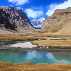 Totally worth the 7 hours hike. (4000 masl)   ~A view of Karl Max peak at 6750masl~  #karlmaxpeak #langar #engelspeak #pamir #wakhan #tajikistan #centralasia #roadtrip #hiking #routelesstraveled #armjourneytomiddleearth #backpacking #travelgram #instatrav