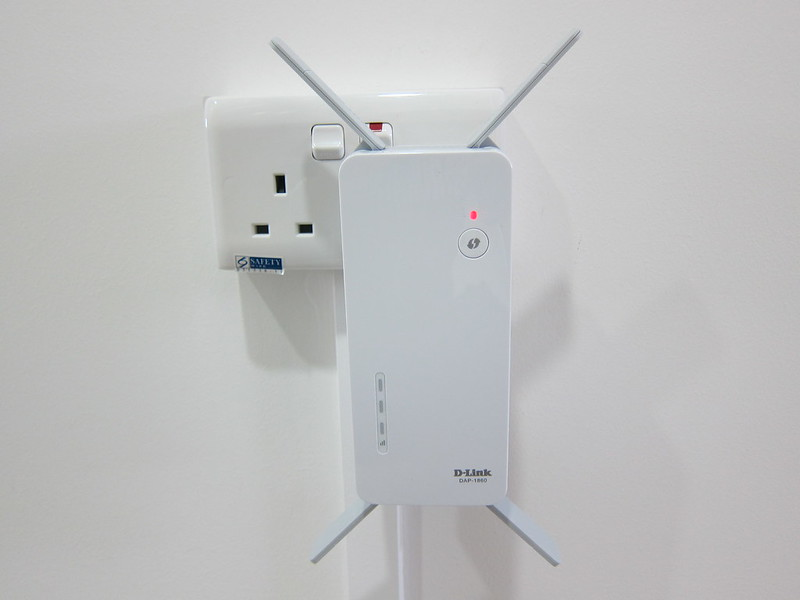 D-Link DAP-1860 - Plugged In