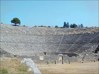 Le théâtre du sanctuaire de Dodone (Grèce)