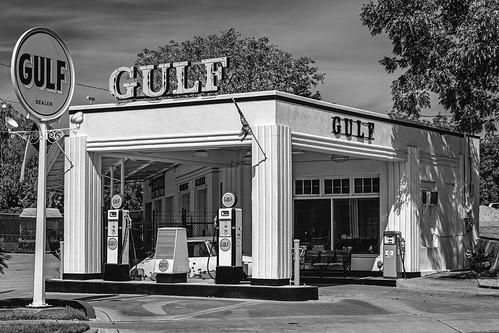 bw blackwhite blackandwhite gaspump gasstation gulf monochrome restored servicestation sign vintage waco texas unitedstates us