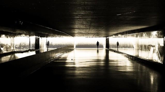 going underground VI, Sony NEX-6, E 32mm F1.8