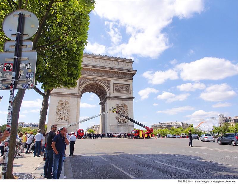 【巴黎 Paris】午後的香榭麗舍大道 凱旋門 Laduree馬卡龍下午茶 奢華宮廷風A&F Champs-Élysées @薇樂莉 Love Viaggio | 旅行.生活.攝影