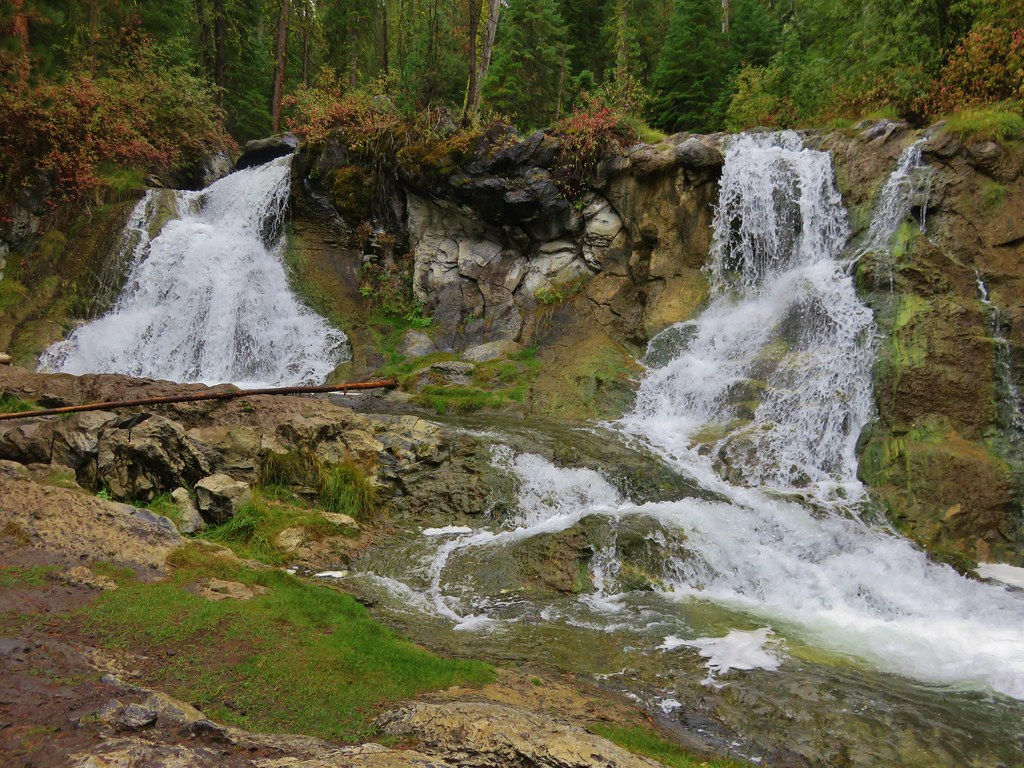 Waterfall on Paulina Creek