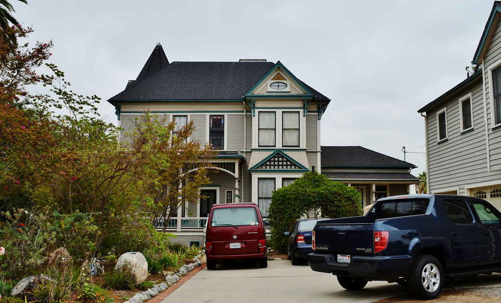 Strange Insidious Chapter 2 These Private Homes In Los Angeles We Home Interior And Landscaping Mentranervesignezvosmurscom
