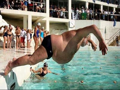 gordo piscina bomba chapuzon