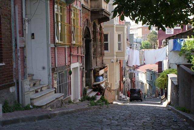 Rue du vieux Istanbul : en pente douce vers la Corne d'or.