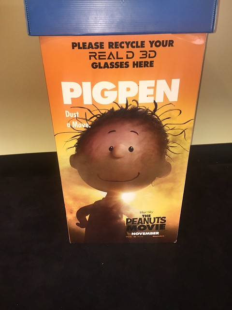 Pig Pen 3D glasses box.