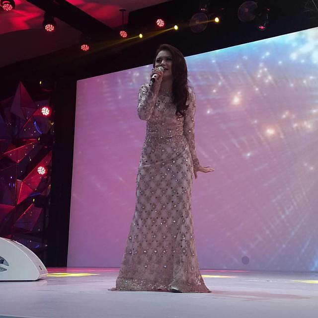 Melihat Rosa sedekat ini seperti mimpi. #asus #asusfestival #zenfestivalindonesia