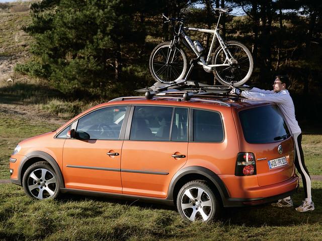 Внедорожный Volkswagen CrossTouran. 2007 – 2010 годы