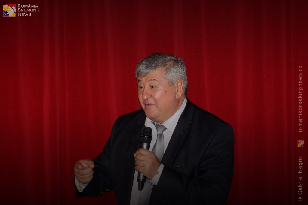 Tetrul_Nottara_si-a_ridicat_oficial_cortina_Trupa_Teatrului_Ginta_Latina_din_Chosinau (19)
