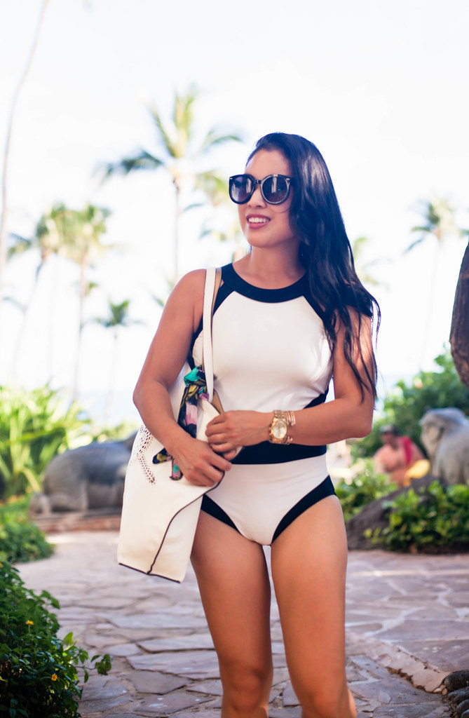 cute & little blog | petite fashion | white black cutout one-piece swimsuit, kendra scott elle earrings | summer beach outfit