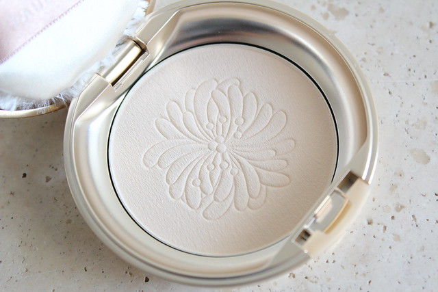 Paul & Joe Pressed Face Powder review