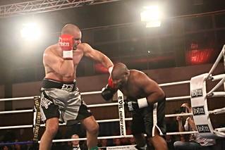 Granat & Dimitrenko mit K.O.-Siegen in Runde Zwei