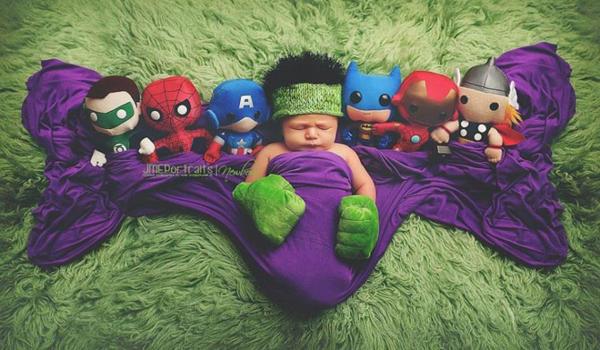 Интересная фотосессия с малышами - супергероями