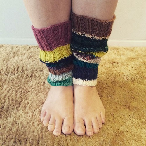 Another WIP finished. Ready for cooler weather. Mismatched #knit legwarmers.