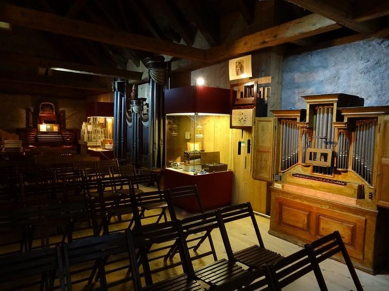 Le muséee suisse de l'orgue (en Suisse)  20955785069_4331f8961d_c