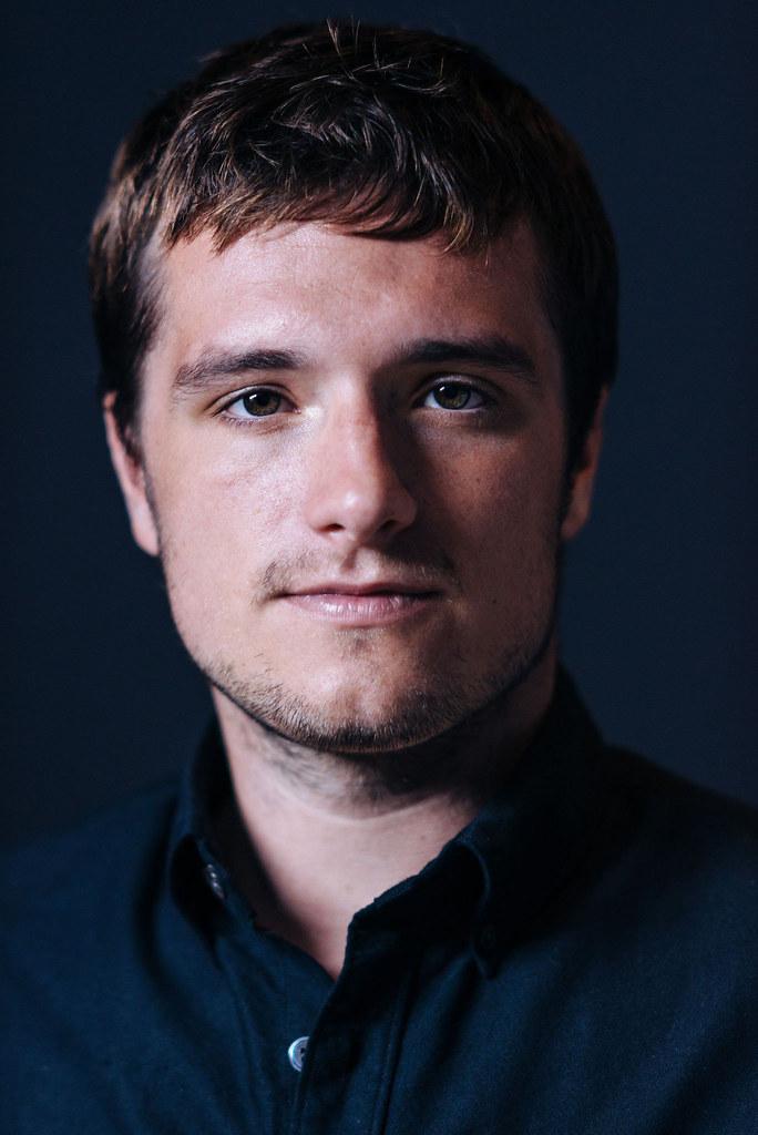 Джош Хатчерсон — Фотосессия для «Потерянный рай» на «TIFF» 2014 – 14