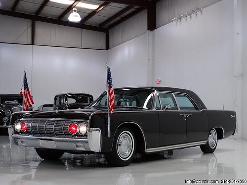 1962 LINCOLN CONTINENTAL PRESIDENTIAL TOWN LIMOUSINE JFK (24)