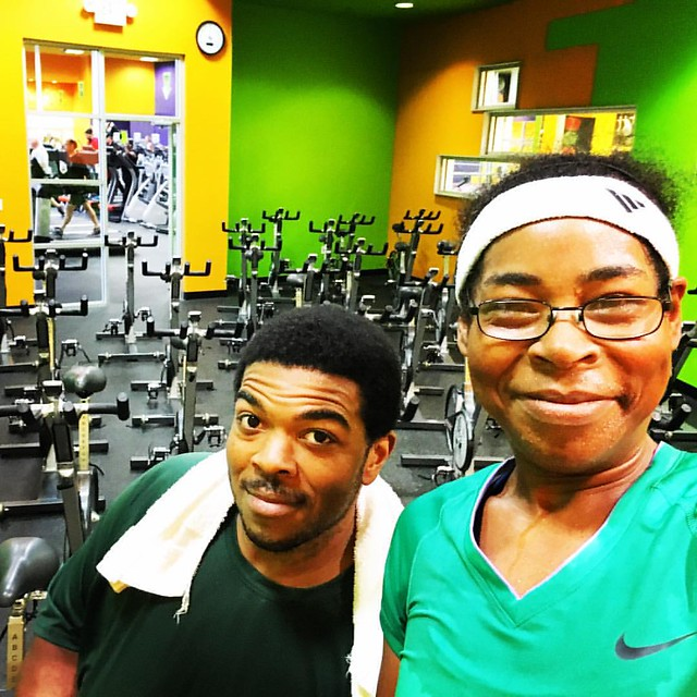 Look who decided to come to my class this morning! @fueledxrunning is changing up his #workout to get back on track. His #weightlossjourney begins again and he's focused. I'll talk more about it in the blog today! #weightlossjourney #weightloss #webeatfat