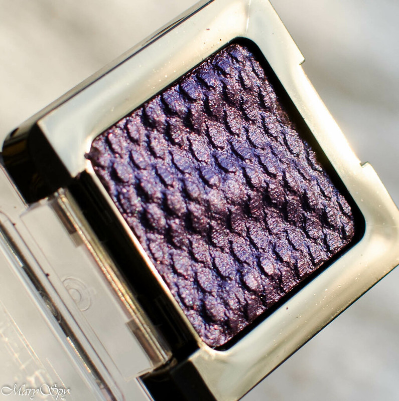 catrice-liquid-metal-050-we-re-the-inner-purple-7480