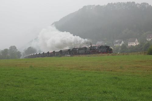 2016-09-17; 173. Loc 50 1380-0 (Meininger 50 3501) en ZL 50 3648-8 met Guterzug 403. Vachdorf
